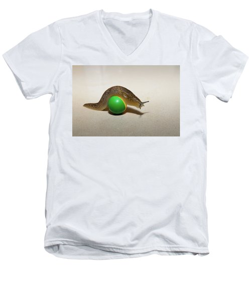 Slug On The Ball Men's V-Neck T-Shirt