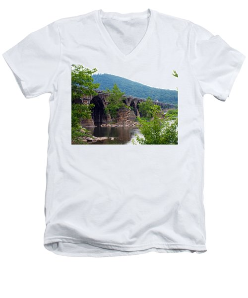 The Great Old Bridge Men's V-Neck T-Shirt