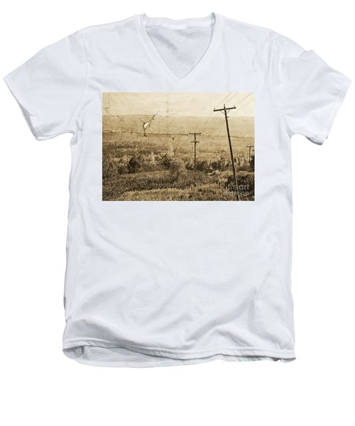 Vintage View Of Ontario Fields Men's V-Neck T-Shirt