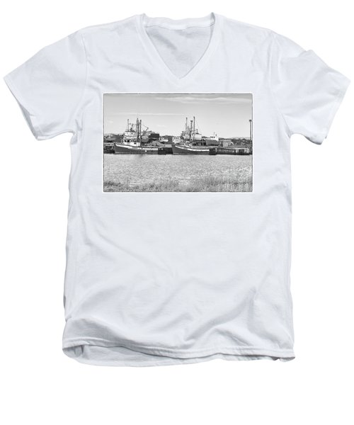 Men's V-Neck T-Shirt featuring the photograph Waiting by Eunice Gibb
