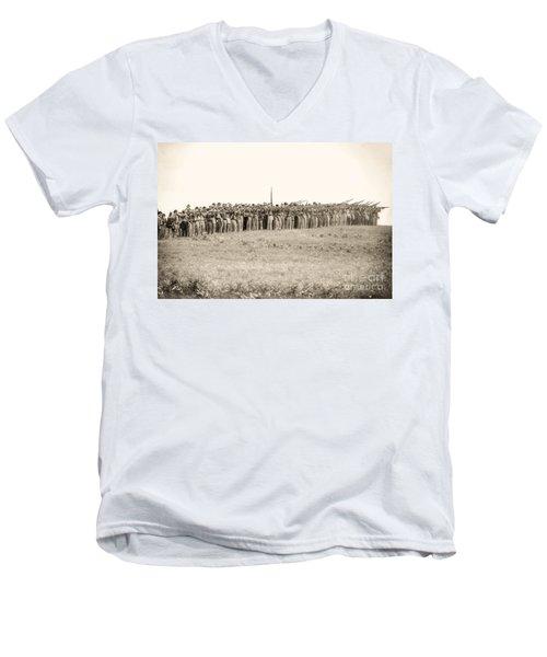 Gettysburg Confederate Infantry 0157s Men's V-Neck T-Shirt