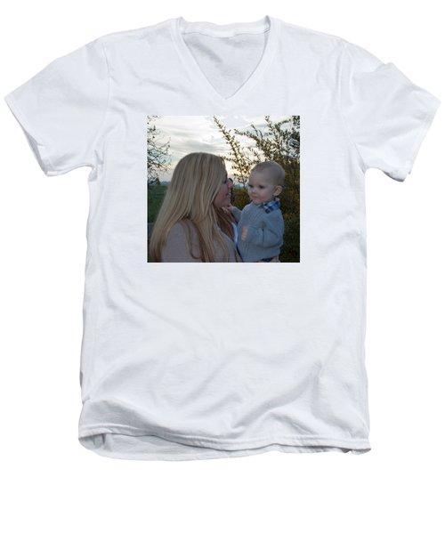 013 Men's V-Neck T-Shirt