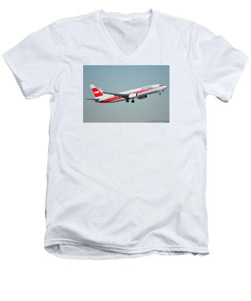 American Boeing 737-823 N915nn Phoenix Sky Harbor January 11 2015 Men's V-Neck T-Shirt by Brian Lockett