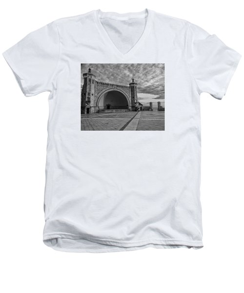 Band Shell Men's V-Neck T-Shirt