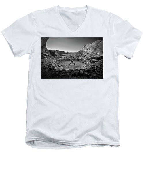 Canyonlands Kiva Men's V-Neck T-Shirt
