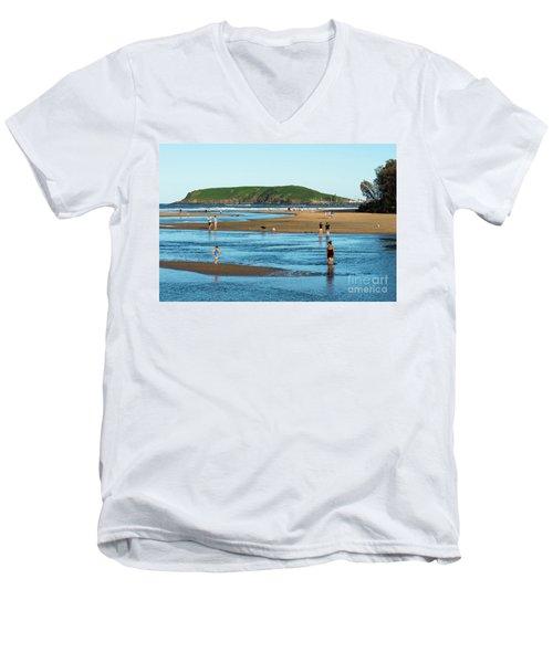 Coffs Creek Men's V-Neck T-Shirt