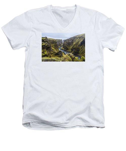 Fjadrargljufur Men's V-Neck T-Shirt