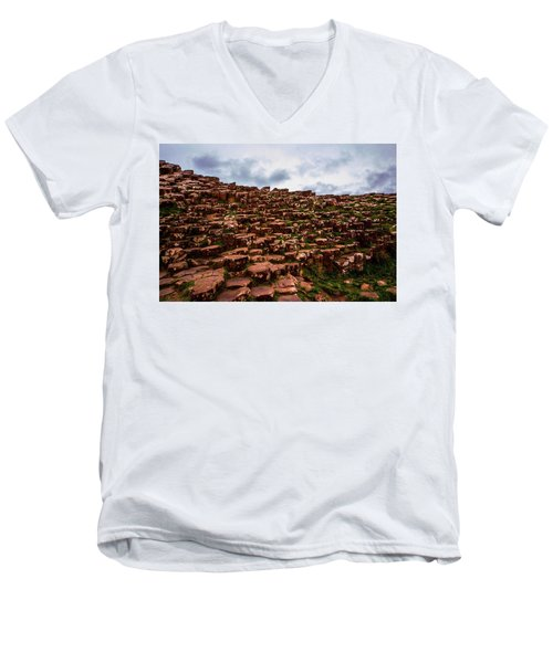 Giants Causeway Men's V-Neck T-Shirt
