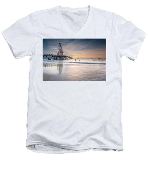 Men's V-Neck T-Shirt featuring the photograph heche en Mexico by Edward Kreis
