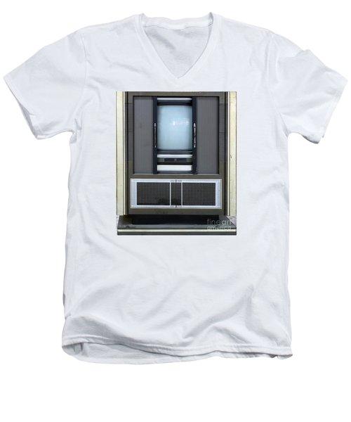 Retro Style Television Set Men's V-Neck T-Shirt