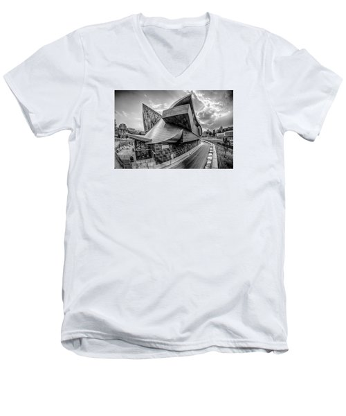 Roanoke Virginia City Skyline In The Mountain Valley Of Appalach Men's V-Neck T-Shirt