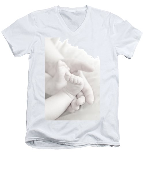 Tiny Feet Men's V-Neck T-Shirt