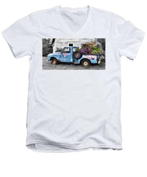 Truckbed Bouquet Men's V-Neck T-Shirt
