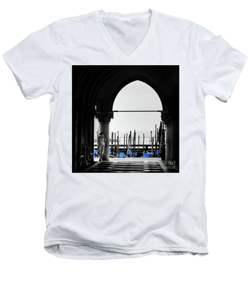 Woman At Doges Palace Men's V-Neck T-Shirt
