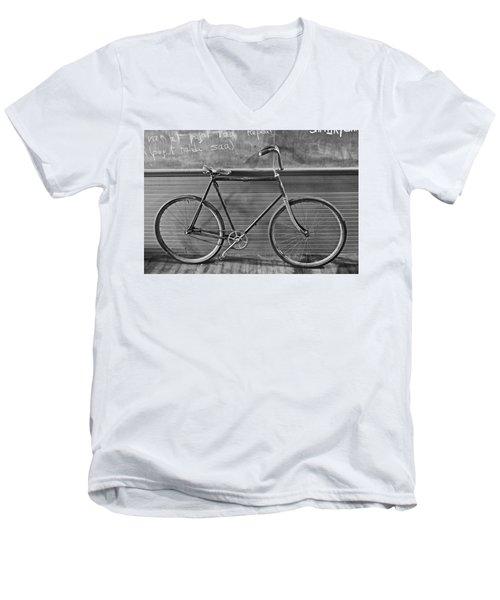 1895 Bicycle Men's V-Neck T-Shirt