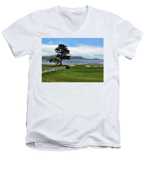 18th At Pebble Beach Horizontal Men's V-Neck T-Shirt