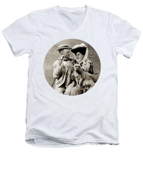 1900 Happy Young Couple Men's V-Neck T-Shirt