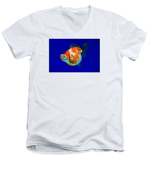 Pearl Scale Goldfish Men's V-Neck T-Shirt
