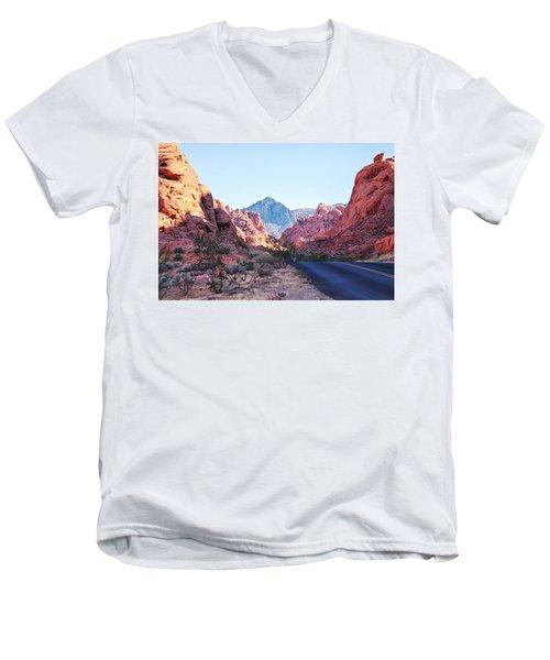 Valley Of Fire State Park, Nevada Men's V-Neck T-Shirt