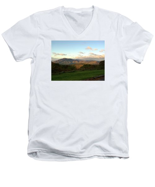 Kevin Blackburn Nature Photography Men's V-Neck T-Shirt