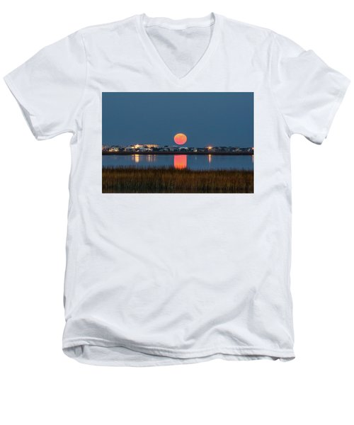 2017 Supermoon Men's V-Neck T-Shirt