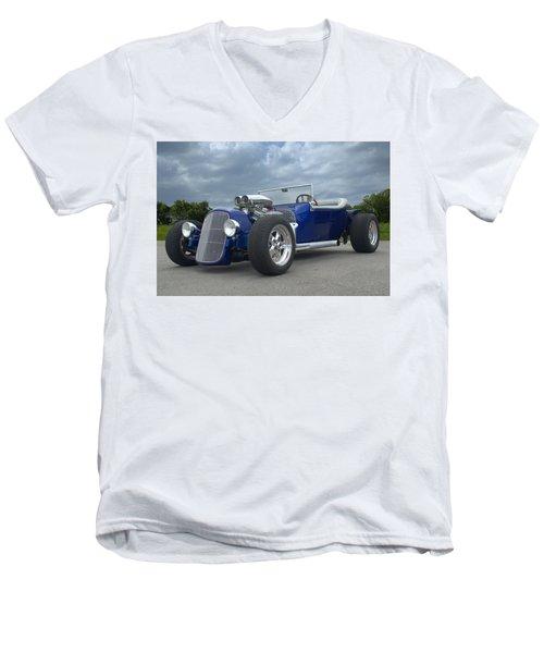 1923 Ford Bucket T Hot Rod Men's V-Neck T-Shirt