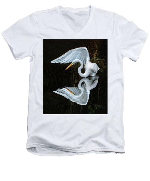 Great Egret Reflection Men's V-Neck T-Shirt
