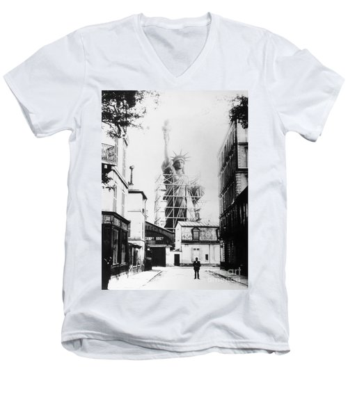 Statue Of Liberty, Paris Men's V-Neck T-Shirt