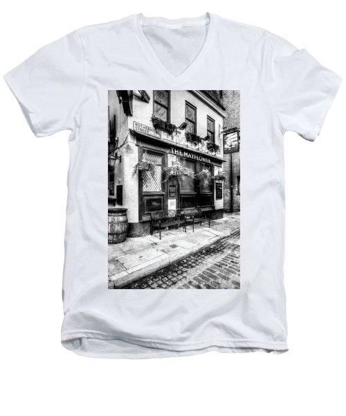 The Mayflower Pub London Men's V-Neck T-Shirt