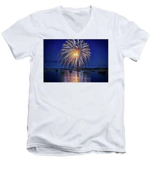 Men's V-Neck T-Shirt featuring the photograph 4th Of July Fireworks by Rick Berk