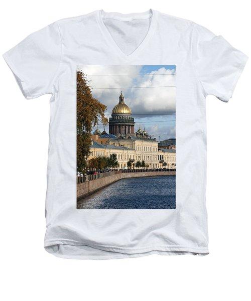 St. Petersburg Men's V-Neck T-Shirt