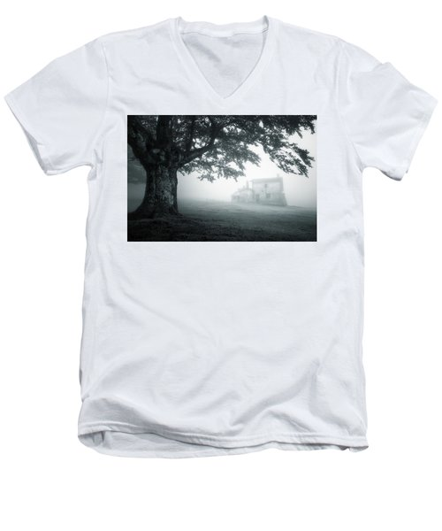 A Cabin In The Woods Men's V-Neck T-Shirt
