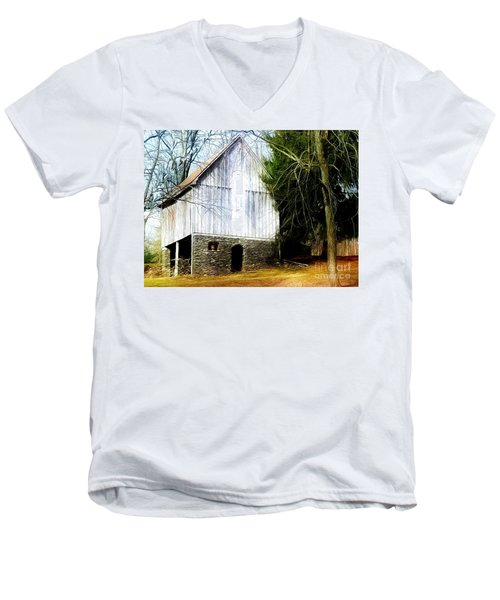A Hidden Barn In West Chester, Pa Men's V-Neck T-Shirt