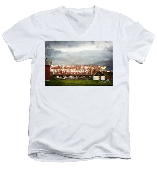 Abandoned Dairy Farm Men's V-Neck T-Shirt