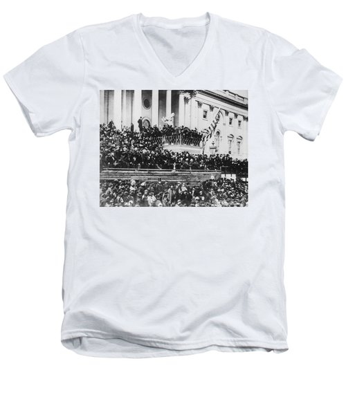 Abraham Lincoln Gives His Second Inaugural Address - March 4 1865 Men's V-Neck T-Shirt