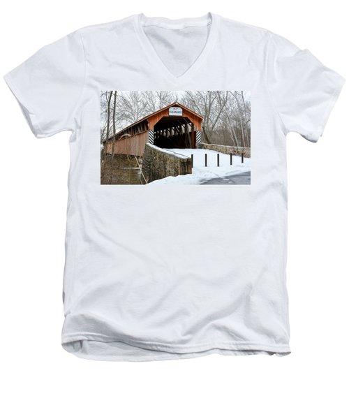 Academia Covered Brigde Men's V-Neck T-Shirt
