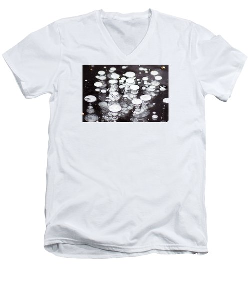 Air Trapped In Ice Men's V-Neck T-Shirt