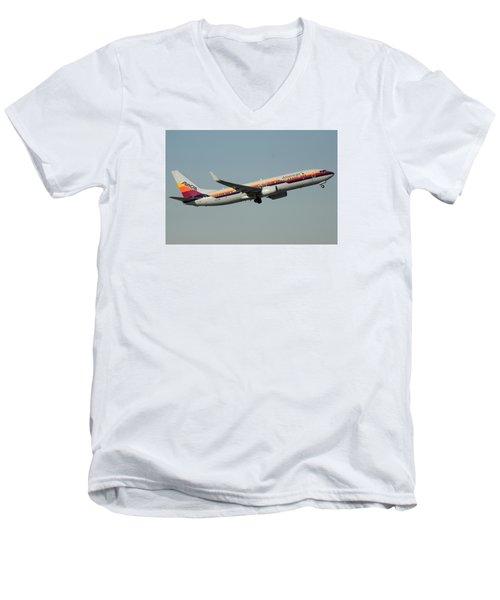 American Boeing 737-823 N917nn December 31 2015 Men's V-Neck T-Shirt by Brian Lockett