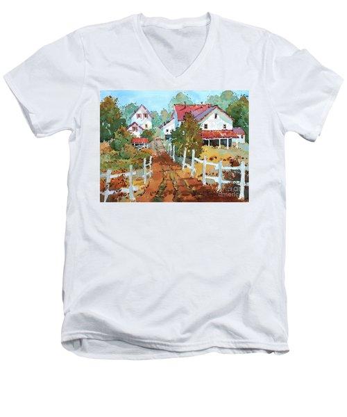 Amish Farm Men's V-Neck T-Shirt
