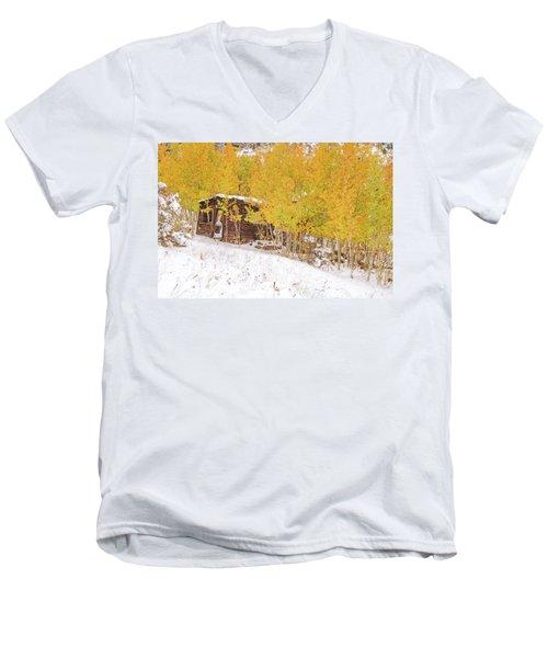 An Example Of Etiolated Nostalgia  Men's V-Neck T-Shirt