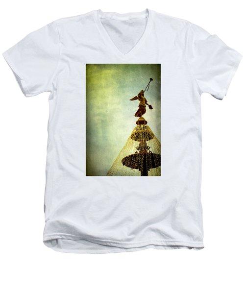 Angel On The Fountain Men's V-Neck T-Shirt