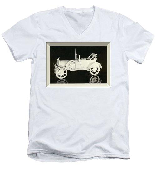 Antique Car Men's V-Neck T-Shirt