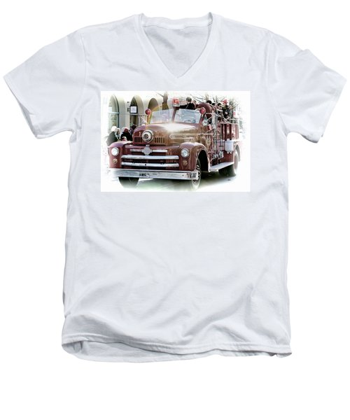 Antique Santa Cruz Fire Truck Men's V-Neck T-Shirt