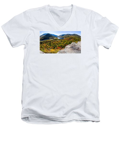 Artists Bluff, Franconia Notch Men's V-Neck T-Shirt