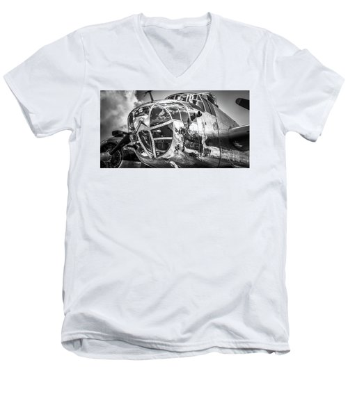 B-25 - Bw Series 2 Men's V-Neck T-Shirt