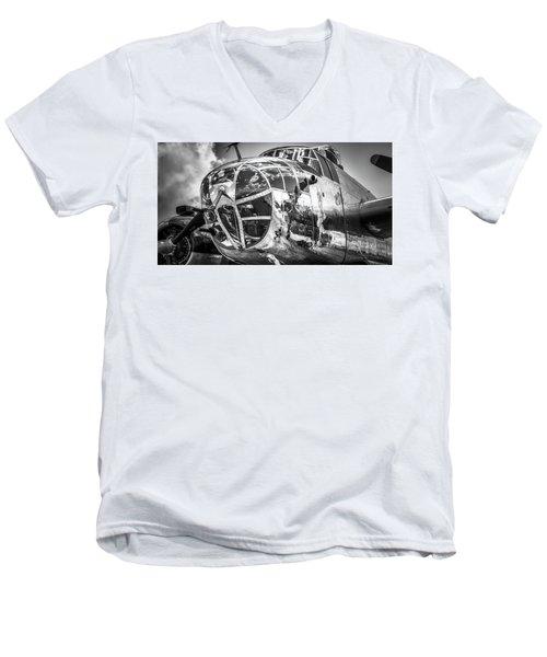 B-25 - Bw Series 2 Men's V-Neck T-Shirt