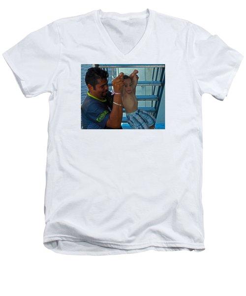 Bambino 2 Men's V-Neck T-Shirt
