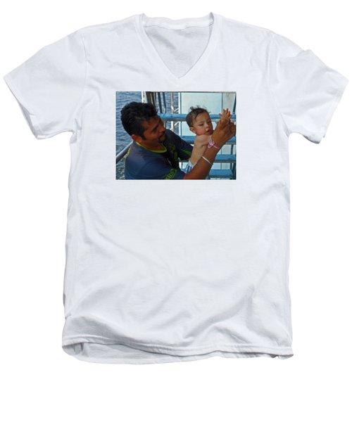 Bambino 3 Men's V-Neck T-Shirt