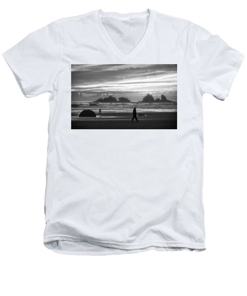 Bandon Beachcombers Men's V-Neck T-Shirt