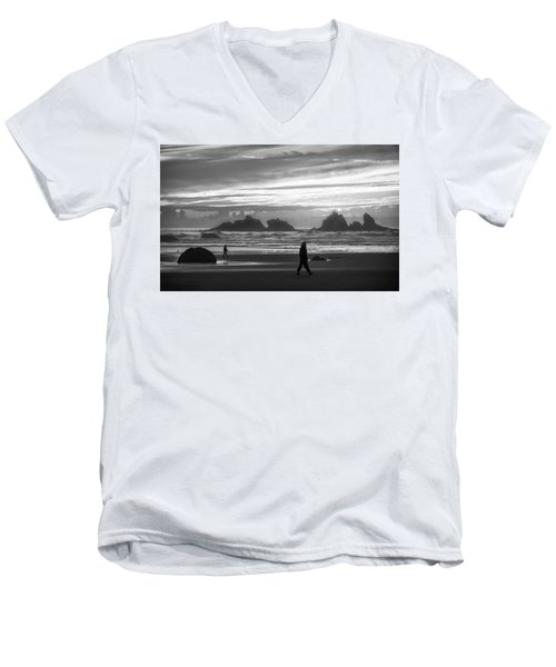 Bandon Beachcombers Men's V-Neck T-Shirt